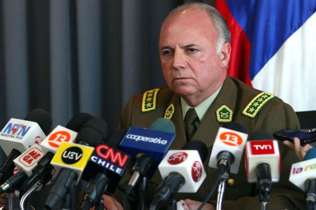 El Director General de Carabineros Eduardo Gordon da a conocer las nuevas bajas en la Institución. Foto:UPI. Imagen Por: