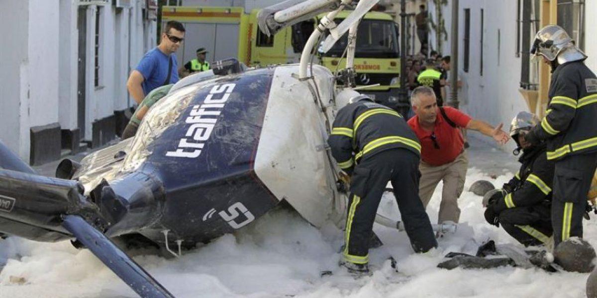[FOTOS] Helicóptero aterriza de emergencia en plena calle de Cádiz
