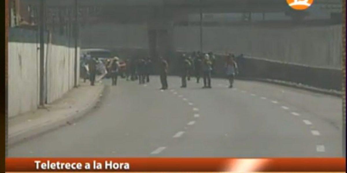 Marcha de la Confech termina abruptamente por incidentes