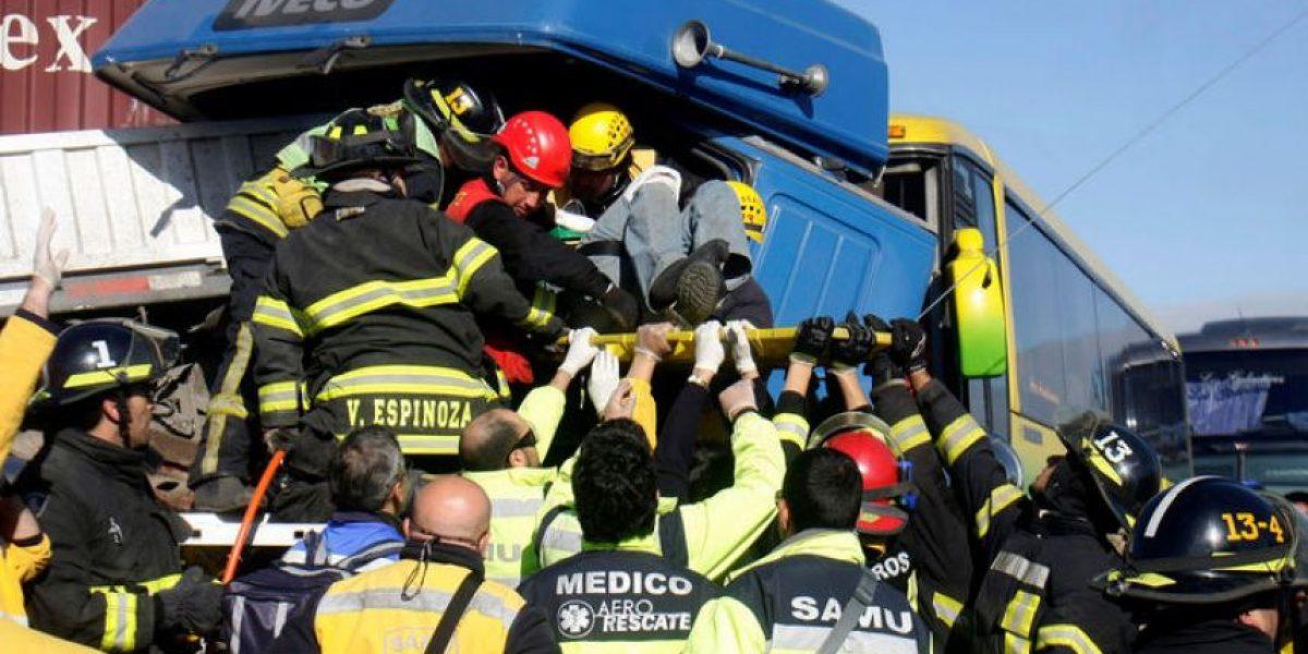Accidente en Ruta 68 involucró a 51 vehículos: trabajan en identificación de víctimas