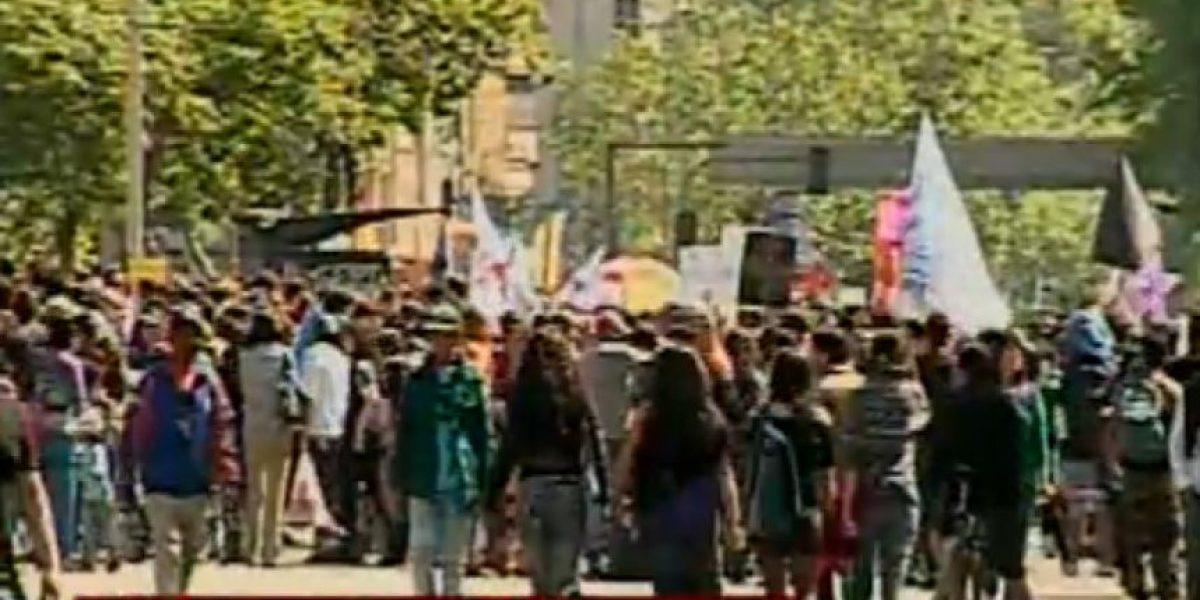 Marcha de los Indignados se detendrá frente a La Moneda para leer carta al Presidente