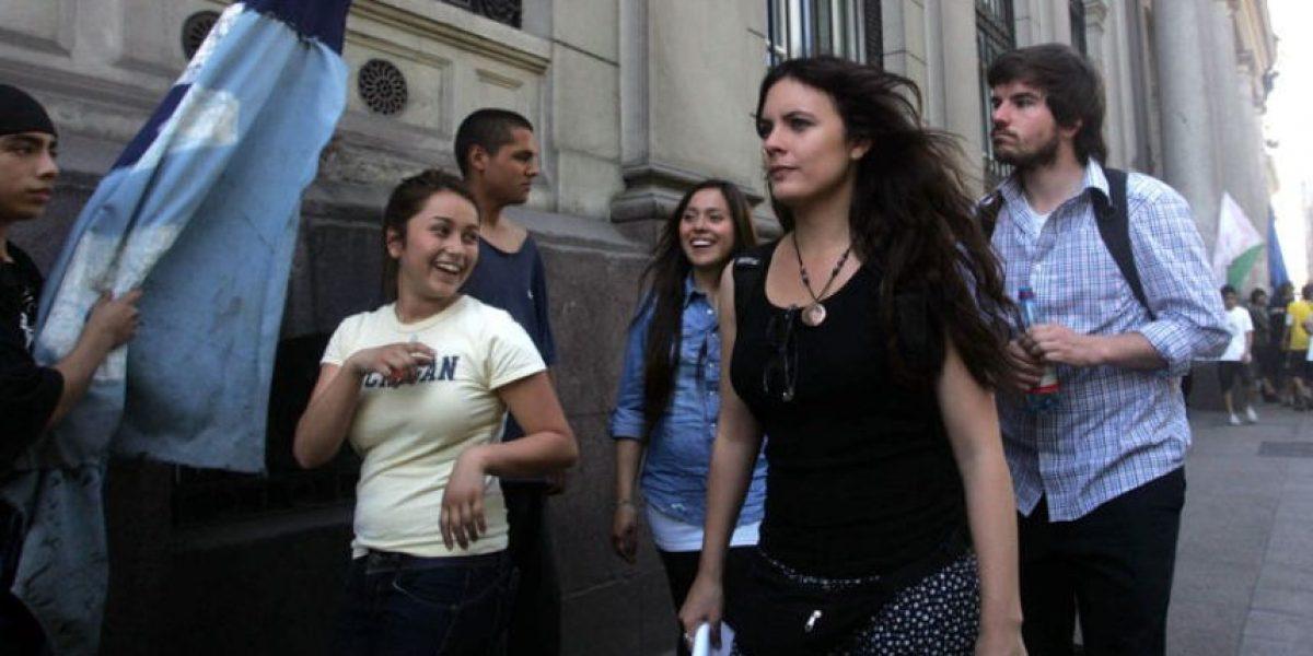 [FOTOS] Camila Vallejo y Giorgio Jackson llegan al ex Congreso tras toma del recinto