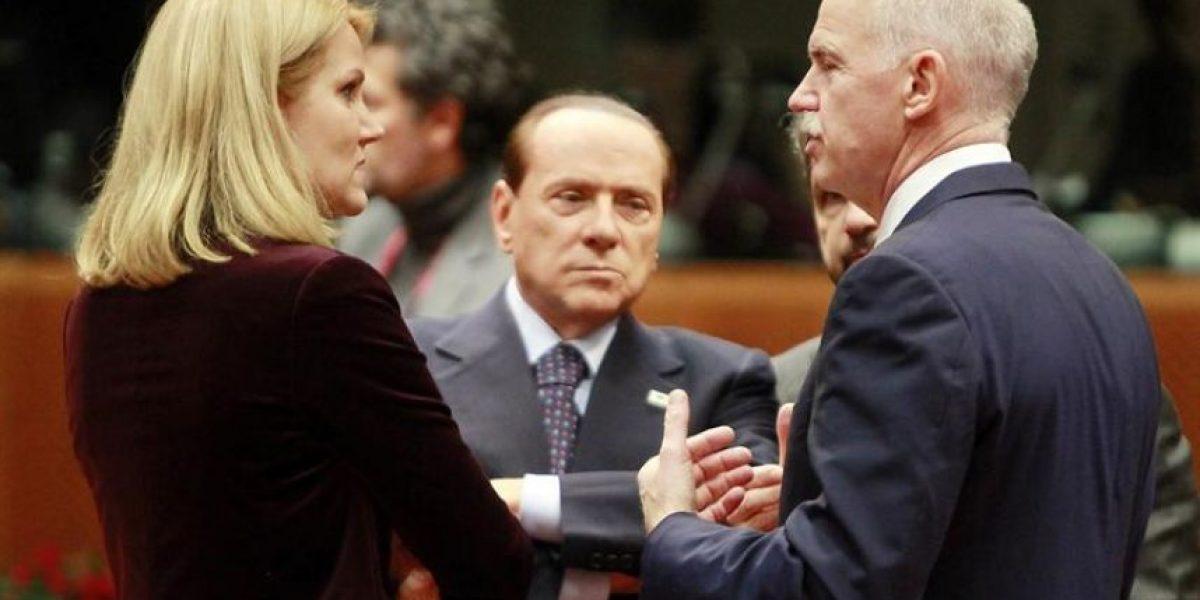 [FOTOS] La atractiva primera ministro danesa que no se aguantó mirar  Berlusconi