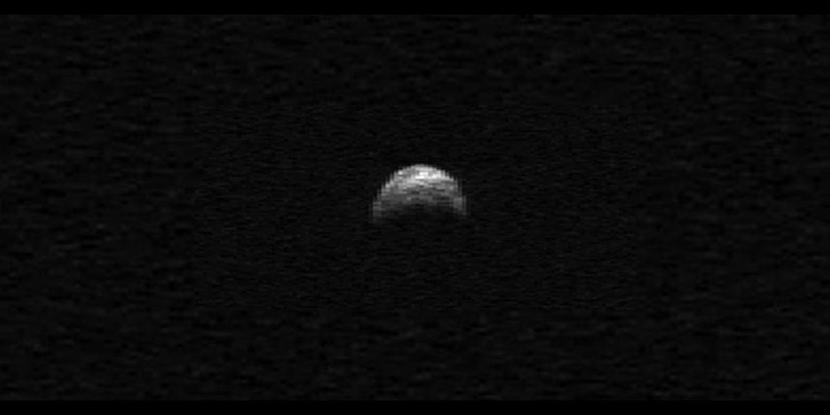 Asteroide del porte de un portaaviones rozará nuestro planeta en Noviembre