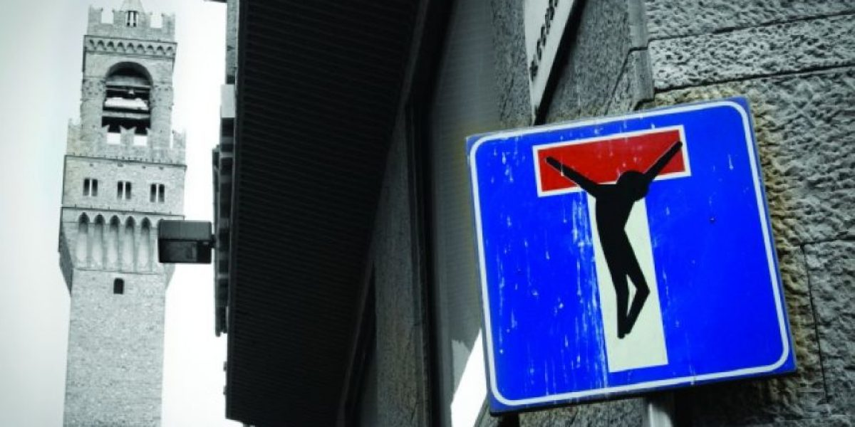 [FOTOS] Artista francés transforma señales de tránsito en llamativos mensajes