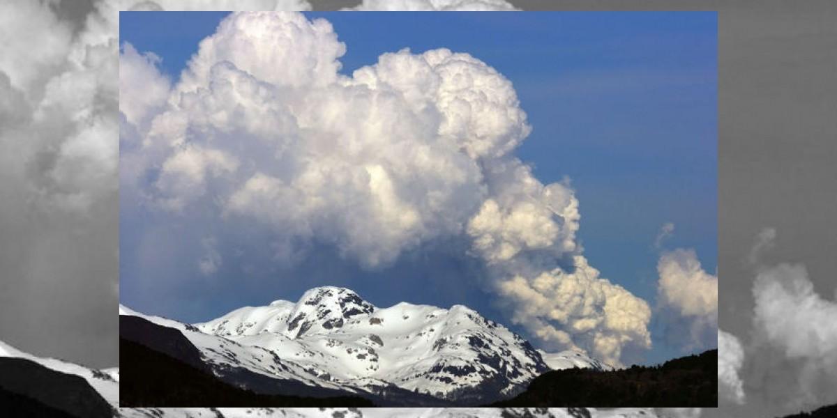 Expertos aseguran que disminuye actividad de volcán Hudson