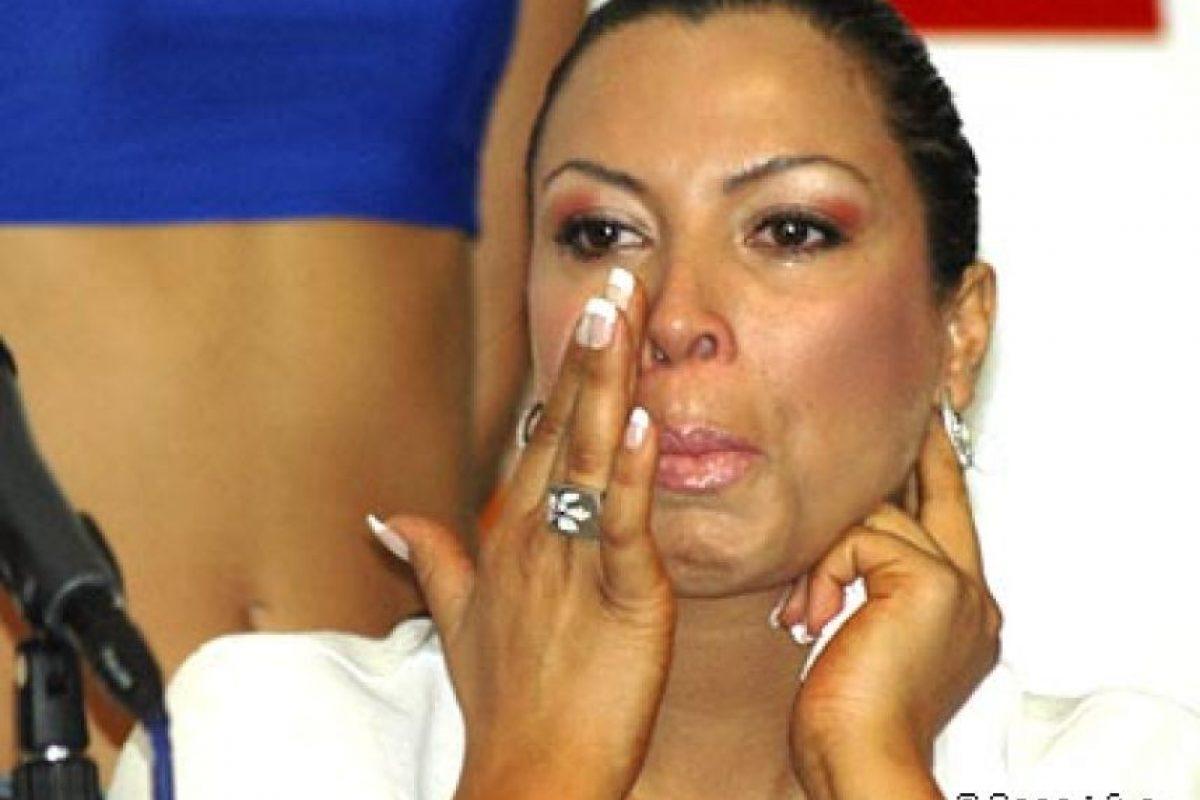 """En el Festival del 2007, Marlen Olivarí no aguantó más y estalló en lágrimas en medio de la conferencia de prensa donde se presentaba al jurado internacional. """"Mi matrimonio está en crisis"""", admitió en ese momento, haciendo alusión a su relación con Roberto Dueñas Foto:Canal 13. Imagen Por:"""