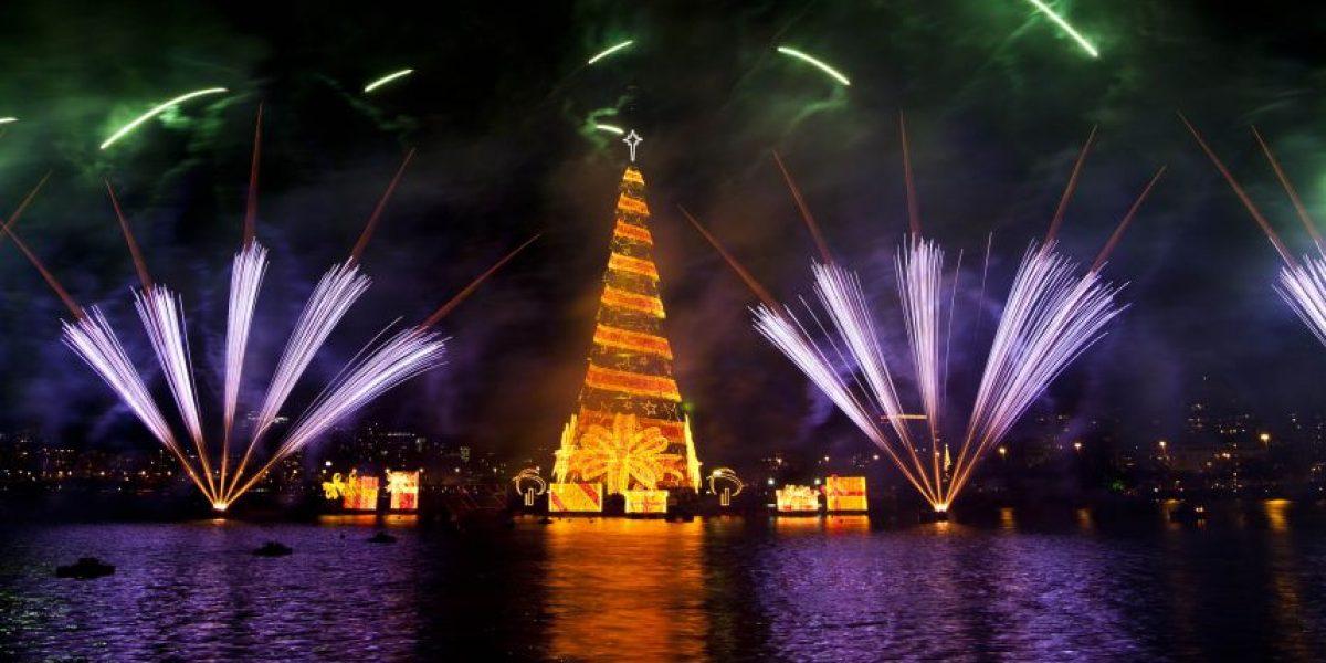 [FOTOS] Inauguran en Brasil el árbol de Navidad flotante más grande del mundo