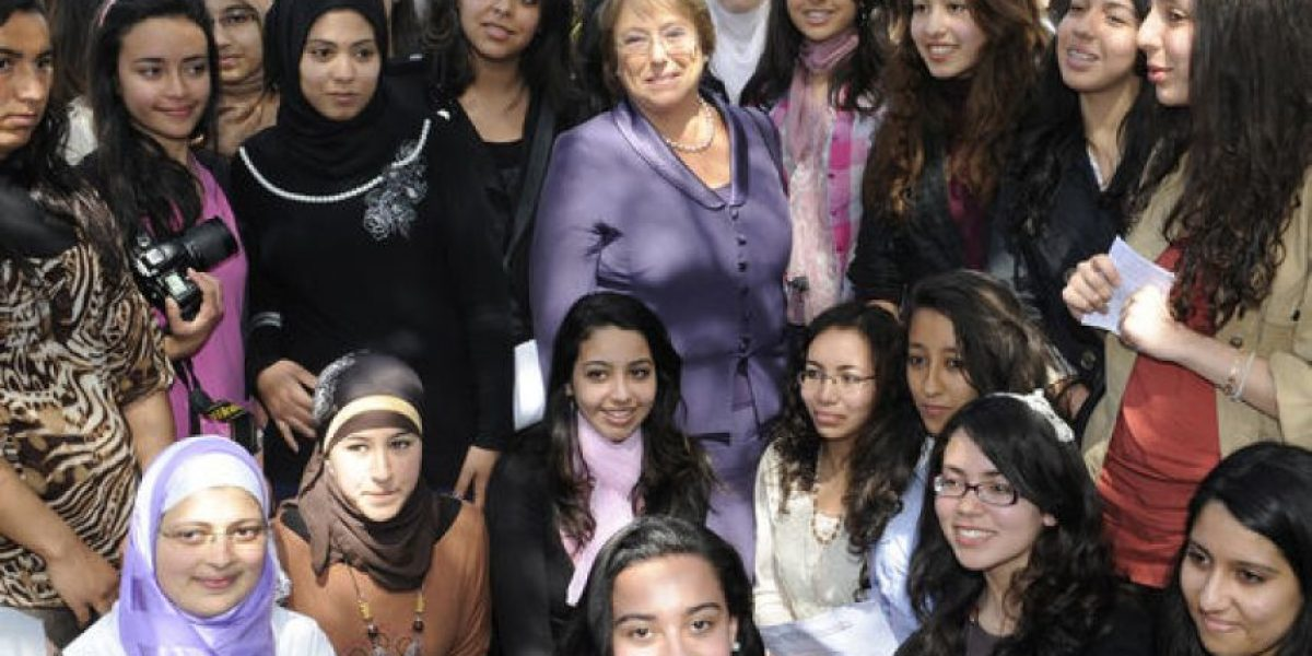 [FOTOS] Con jóvenes de Marruecos, Bachelet conmemora
