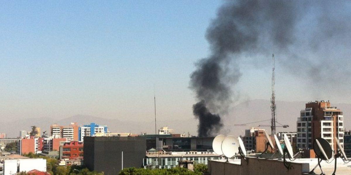 Usuarios captan incendio en cercanías de la UDP y venden fotos con Scoopshot