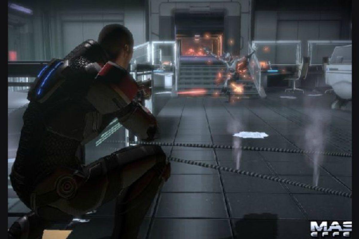 7. Mass Effect 2 El videojuego delComandante Shepard(2010-2012) podría ser uno más en el rubro de los juegos del espacio, pero lo diferencia lo completo que es su universo. Los espacios detallados, los movimientos de cámara y los diálogos hacen que Mass Effect 2 integre esta lista.. Imagen Por: