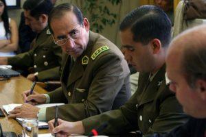 El General Director de Carabineros, Gustavo González, también está presente en la sesión. Foto:UPI. Imagen Por: