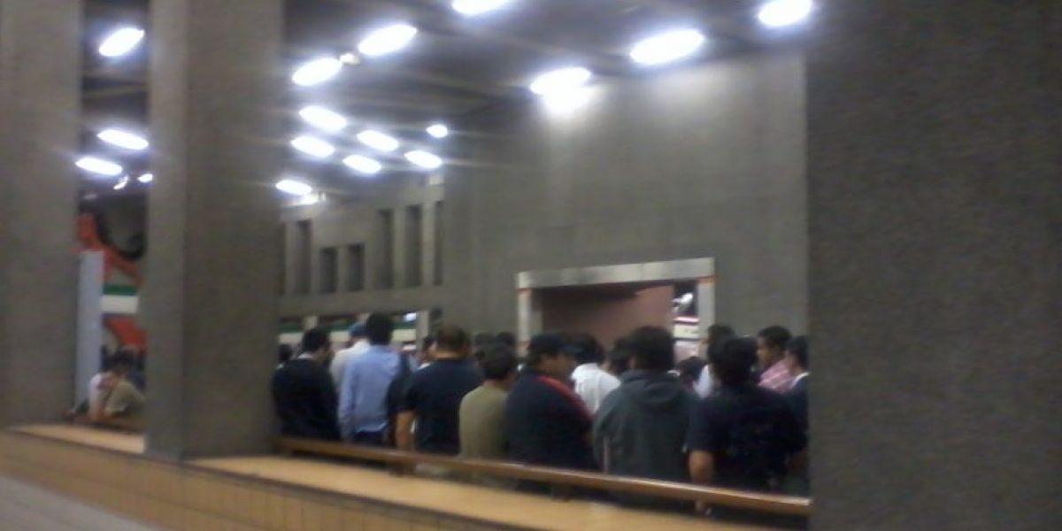 Falla en la Linea 1 del Metro provoca gran congestión en las estaciones