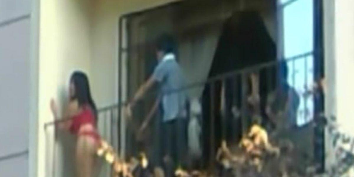 [VIDEO] Peruana sorprendió con sensual baile en un balcón frente a la Catedral