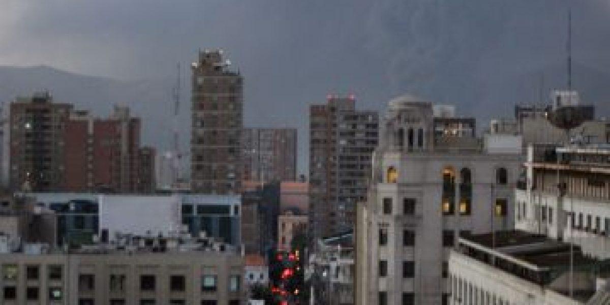 [FOTOS] Así se ve el incendio en Huechuraba desde diferentes partes de Santiago