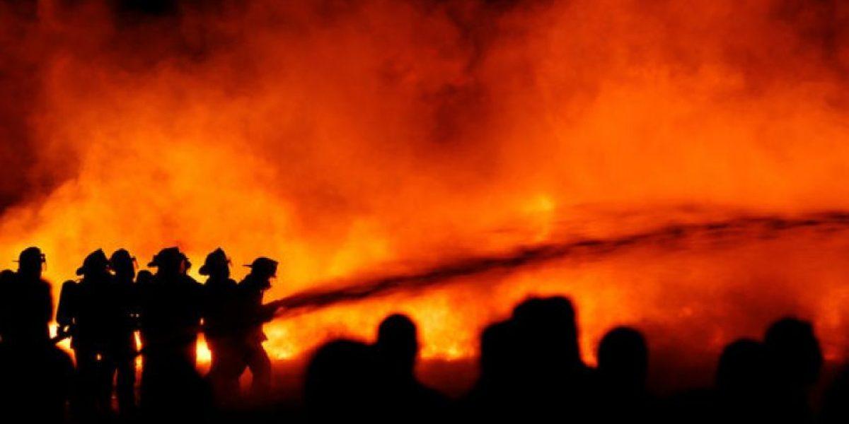 [FOTOS] Increíbles imágenes de gigantesco incendio en Huechuraba