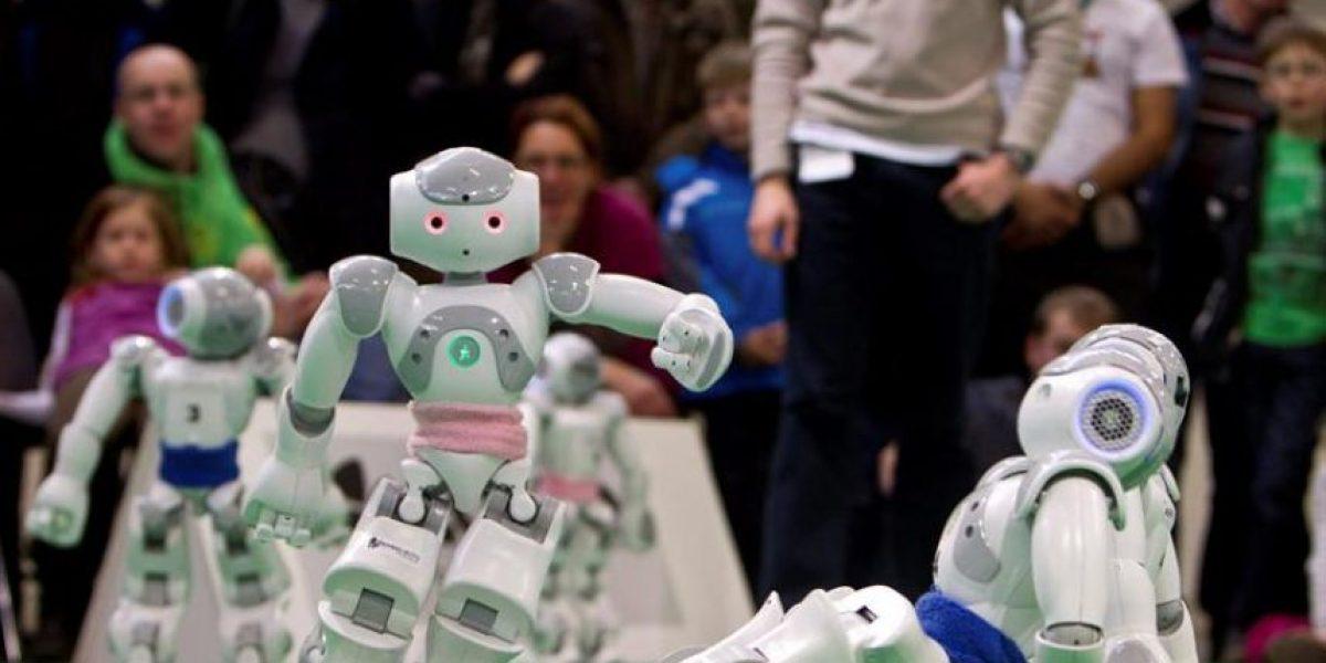 [FOTOS] Cómo se juega un partido de fútbol entre robots