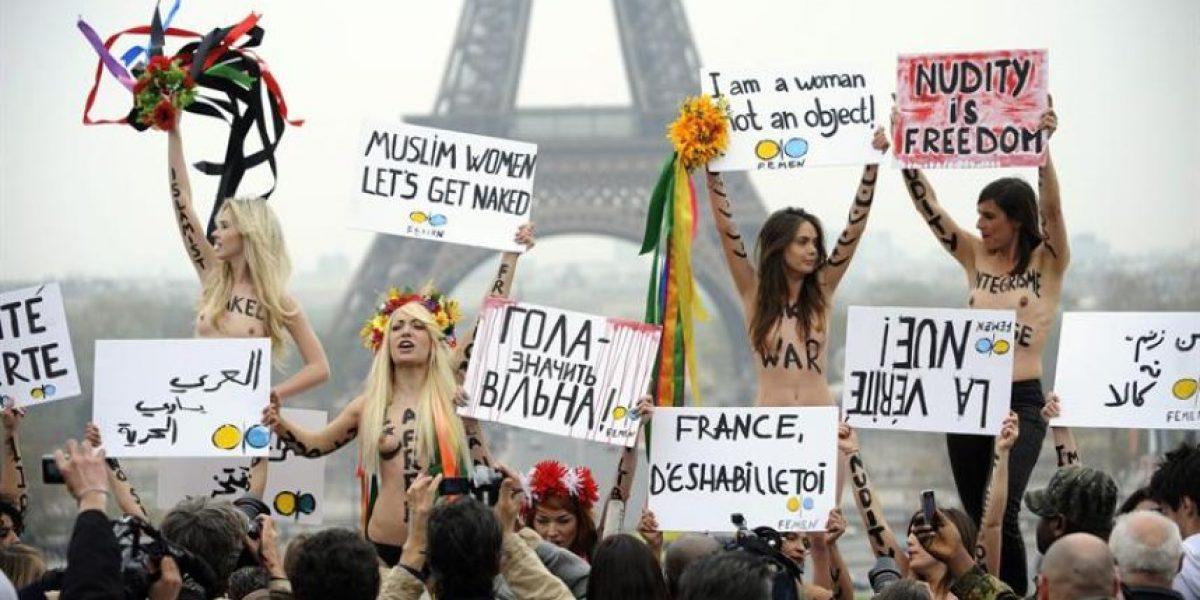 [FOTOS] Activistas ucranianas vuelven a protestar semidesnudas en París