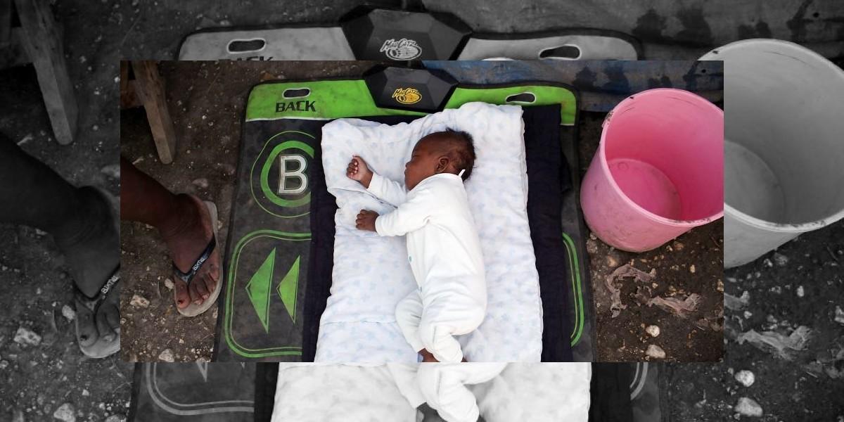 Insólito: Dos familias se disputan a un bebé varón y rechazan niña entregada por error