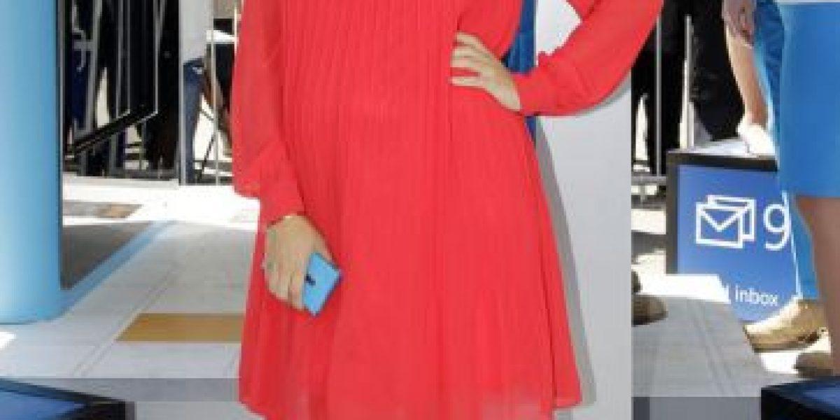 [FOTOS] Una embarazada Kourtney Kardashian promociona nuevo teléfono de Windows
