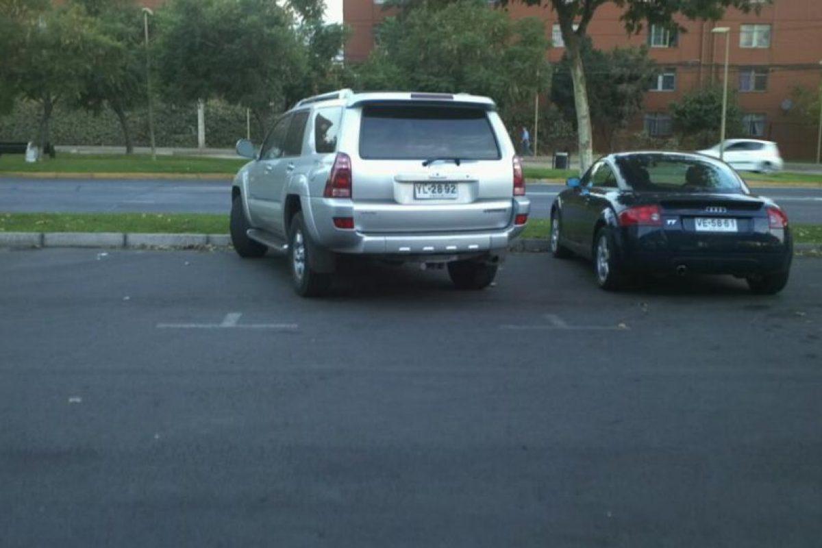 """Foto:Grupo de Facebook """"Se estacionan como idiota"""". Imagen Por:"""