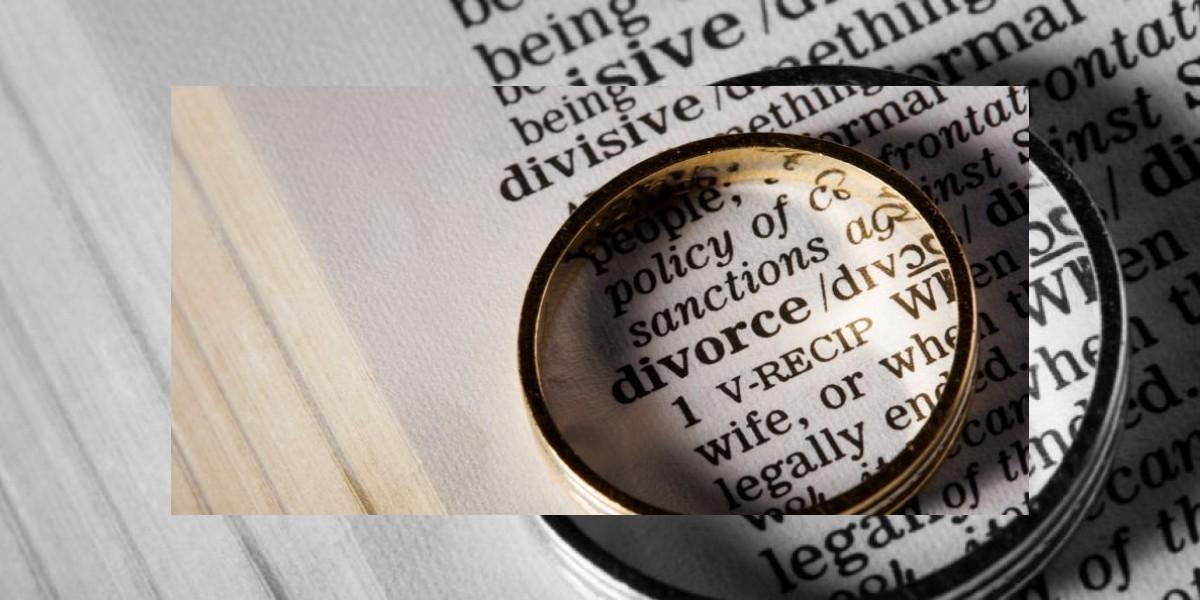 Después de siete décadas casados, se divorcian por una antigua infidelidad