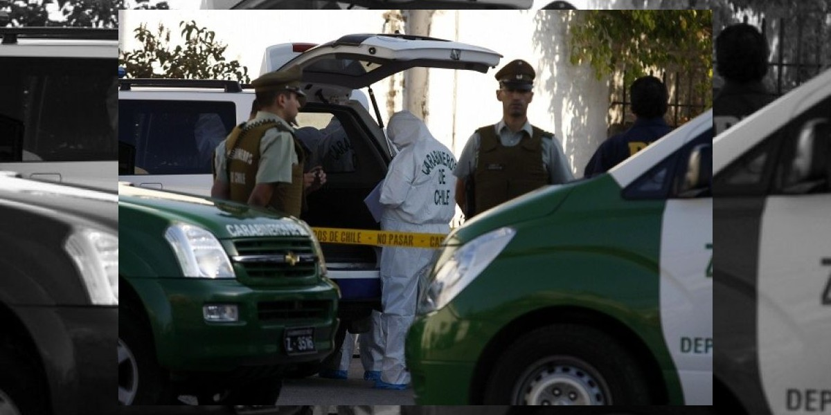 Mujer fue atropellada por furgón de Carabineros en Bellavista
