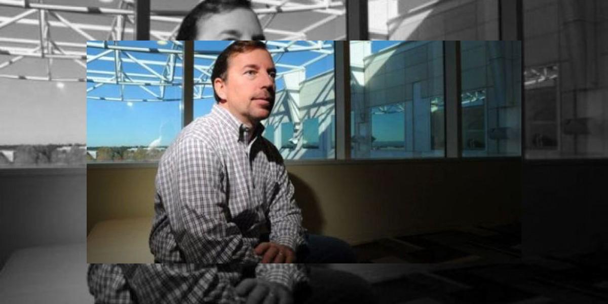 Director de Yahoo! dimite tras descubrir que mintió sobre su currículum