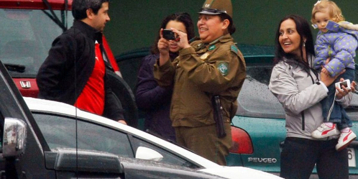 Imperdible: La alegría de una carabinera al ver a Arturo Vidal