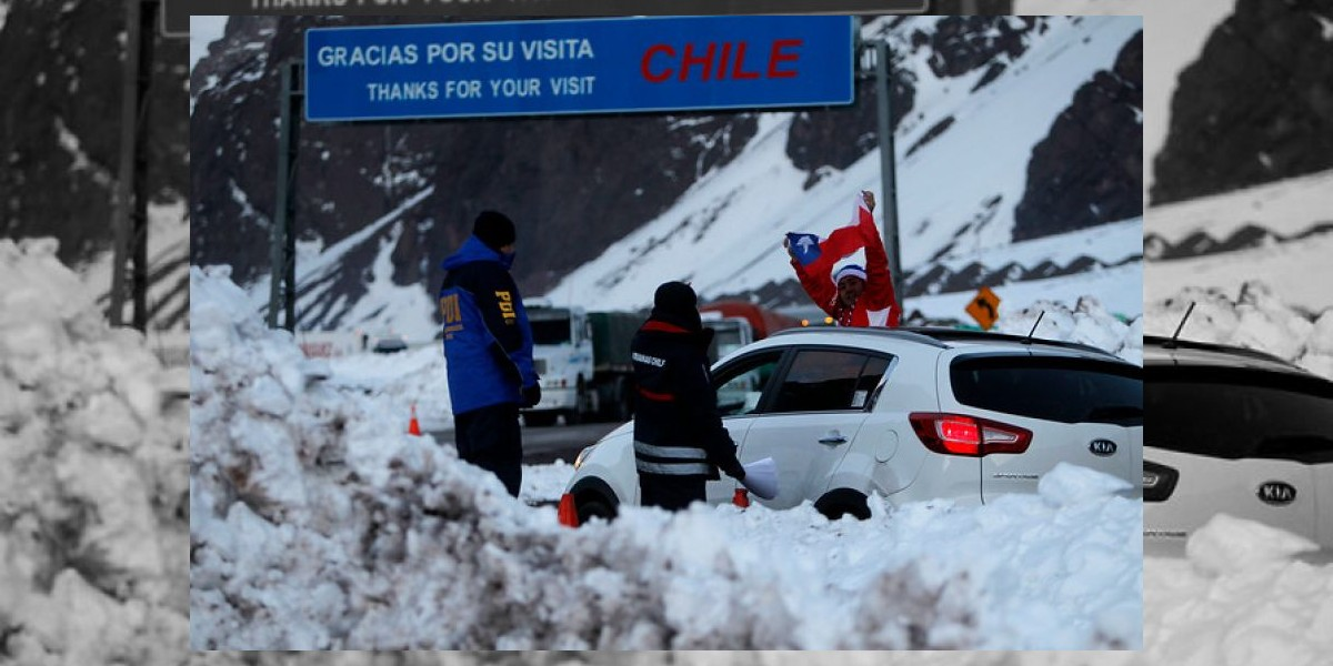 Rodados en el sector argentino impiden reapertura del Paso Los Libertadores