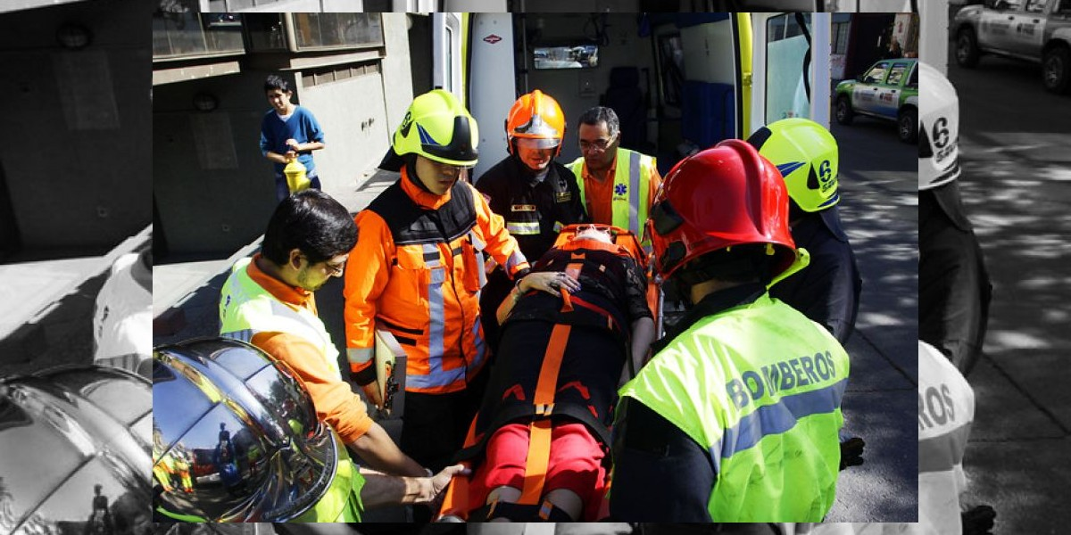 Bus del Transantigo se estrella contra una vivienda en Maipú