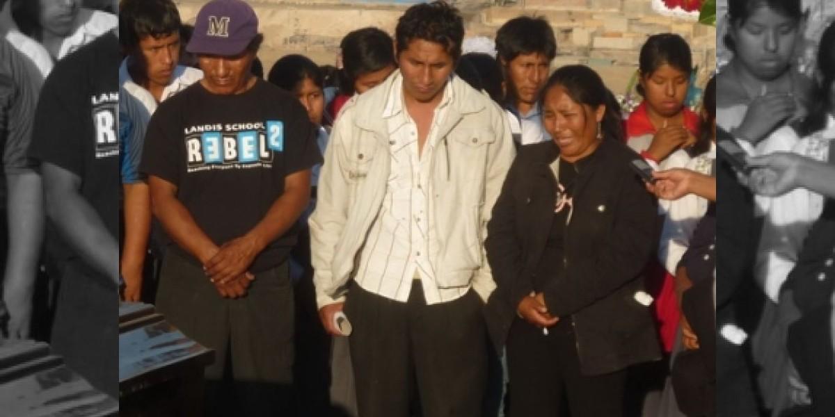 Gritos antichilenos en funeral de taxista peruano muerto por una mina antitanque
