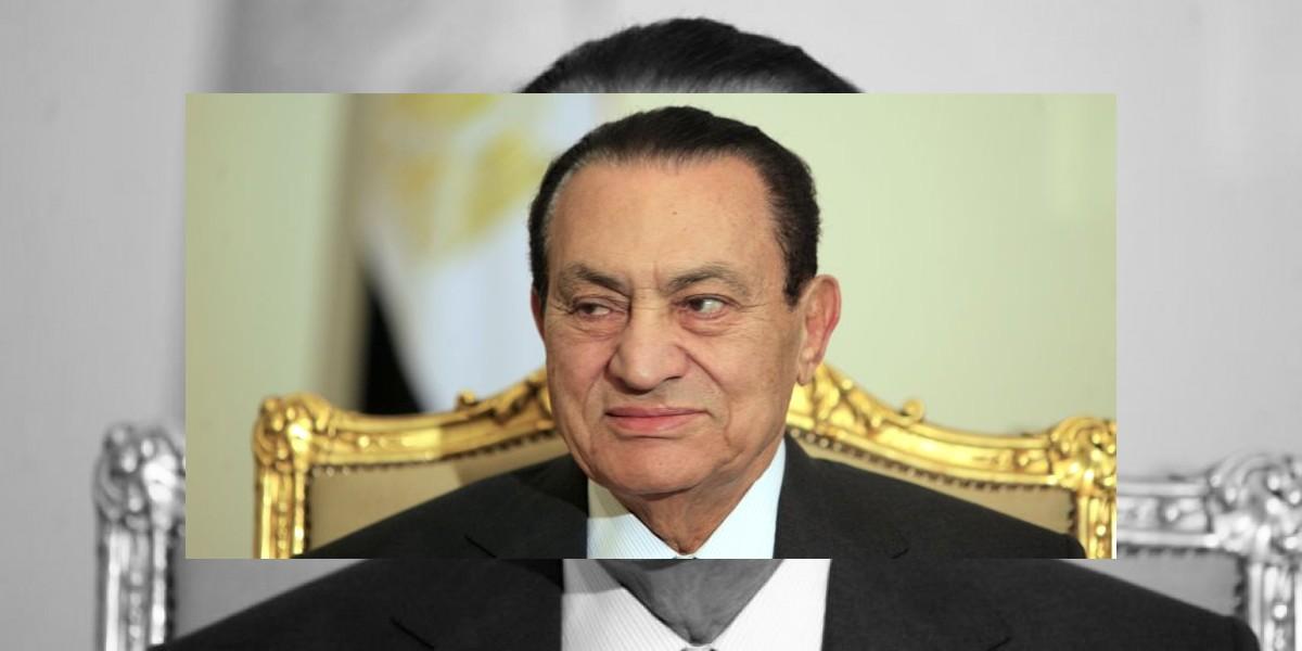 Mubarak es condenado a cadena perpetua y sufre ataque caridíaco