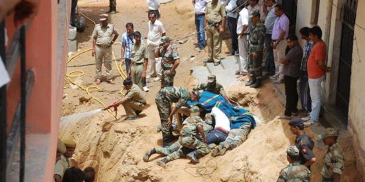 Pequeña niña muere tras permanecer 86 horas atrapadas en un agujero