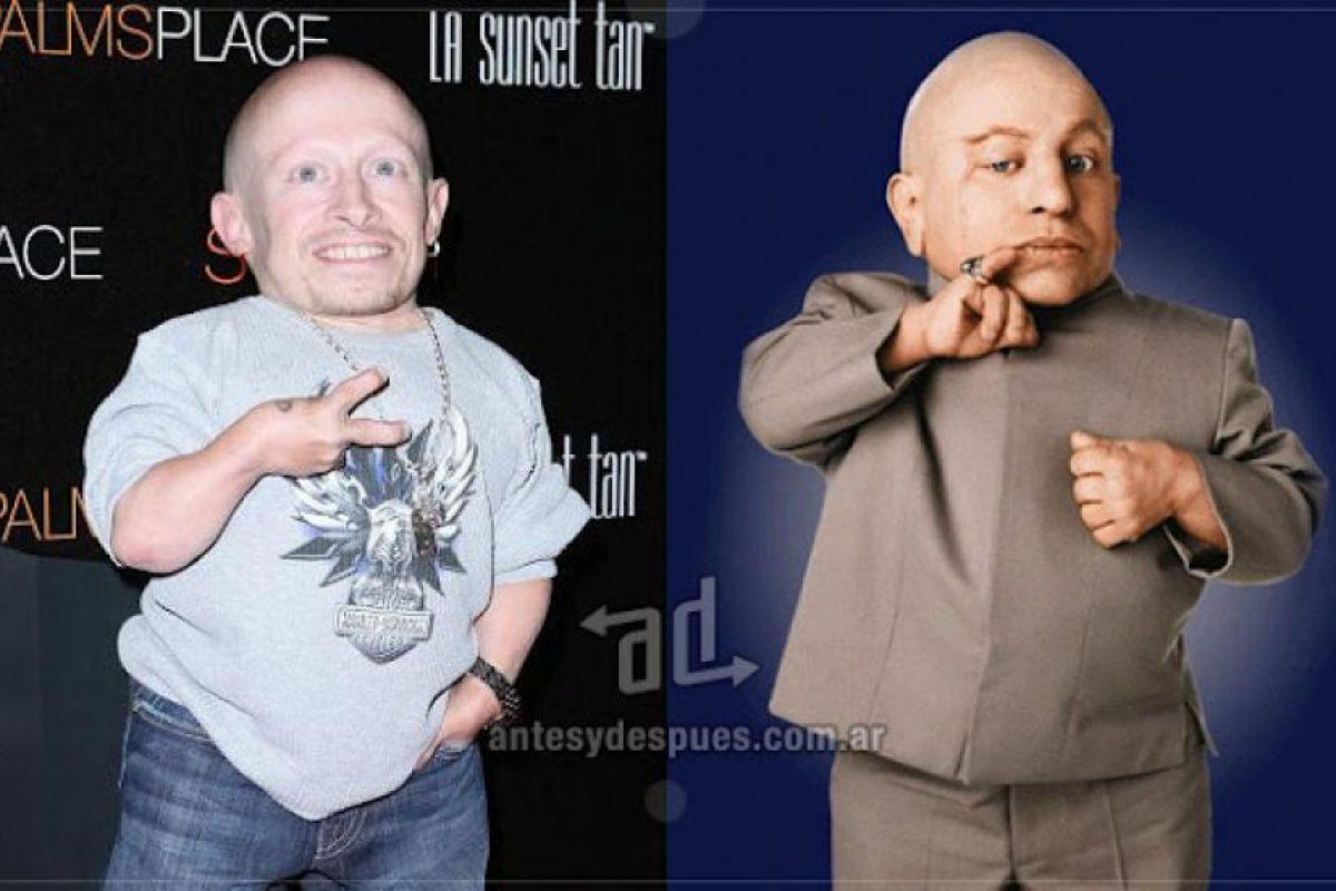 Verne Troyer como Mimi-Me. Imagen Por: