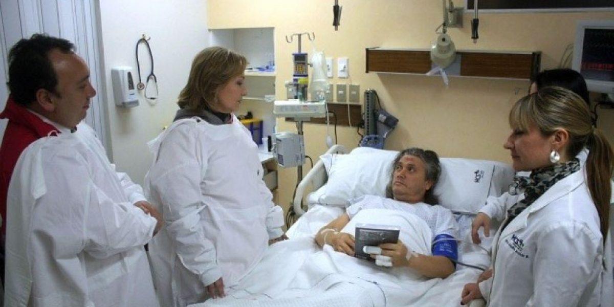 [FOTOS] Cecilia Morel visitó en su lecho de enfermo al accidentado senador Navarro