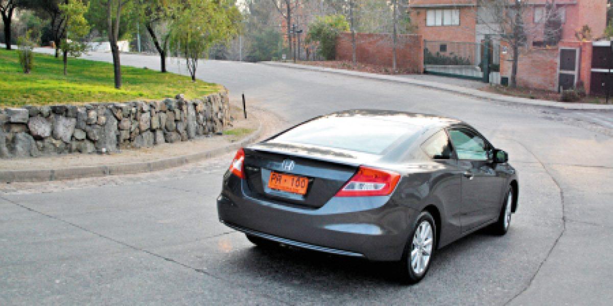 Nuevo Honda Civic Coupe, dos puertas y un mundo de diversión