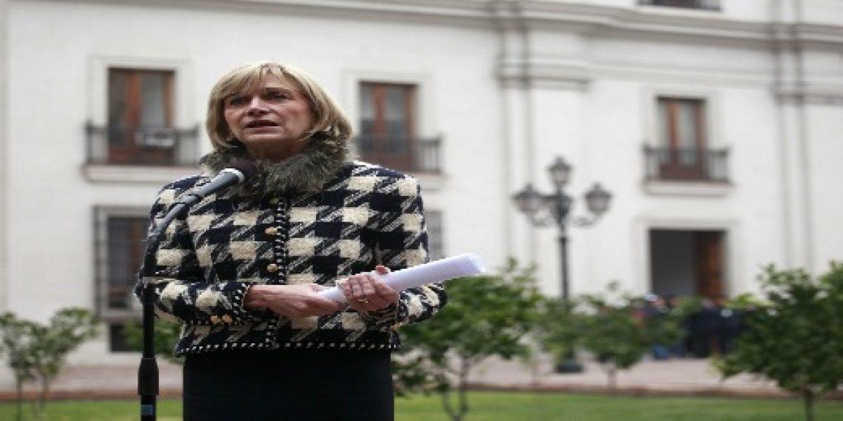 """Ministra Matthei admite sentir """"miedo"""" por los efectos de la crisis en el país"""