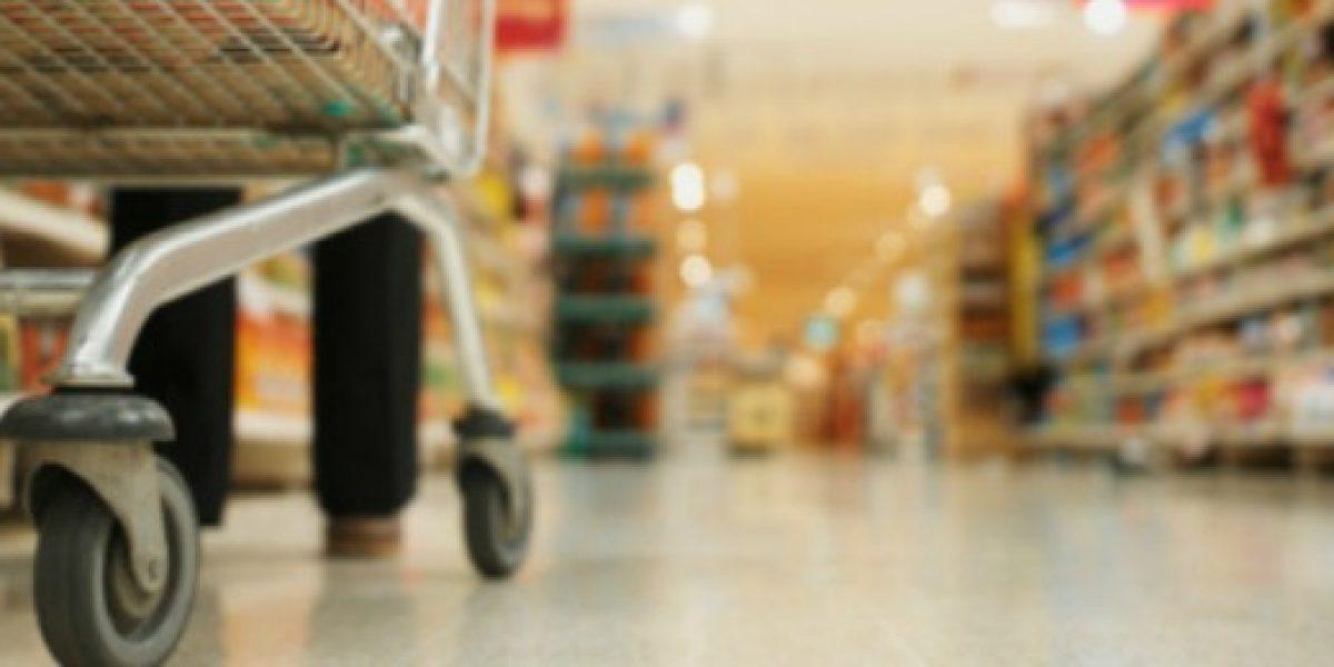 Supermercados darán trabajo a 1.500 adultos mayores
