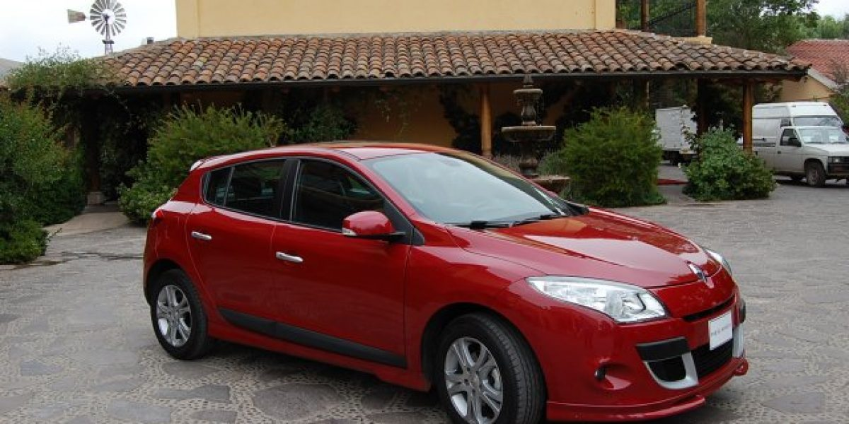 Megane III automático llega a Chile desde $10.290.000