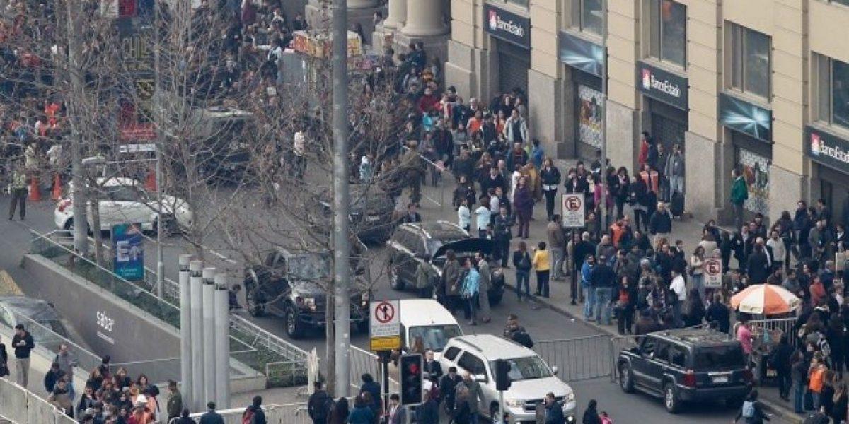 [FOTOS] Aviso de bomba en el MOP moviliza al GOPE y evacuan sus oficinas