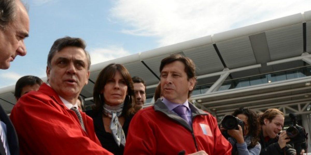 Aeropuerto de Santiago contará con nuevo sistema de taxis el 2013