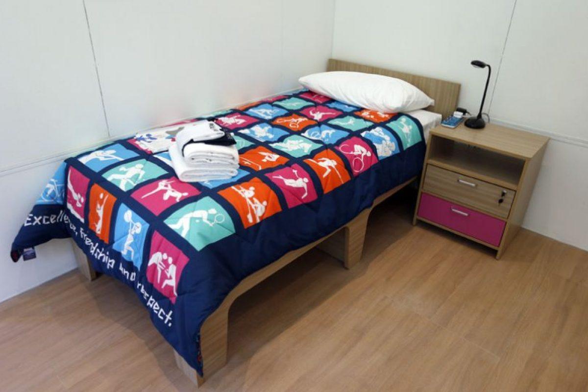Y tras el fin de los Juegos Olímpicos, ahora se rematarán los muebles de la habitaciones de la Villa Olímpica. Los fanáticos podrán comprar a través de Internet las camas (criticadas por los deportistas por su pequeño tamaño), veladores y cubrecamas.. Imagen Por: