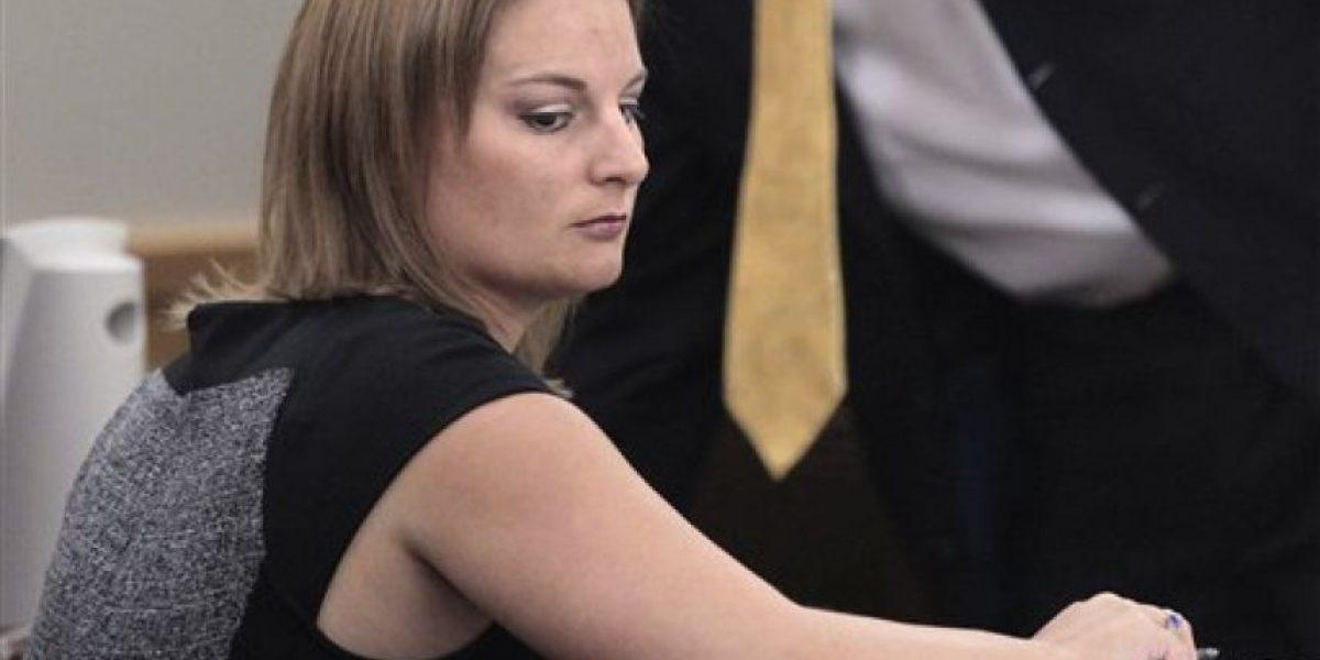 Esta profesora fue hallada culpable por tener sexo con cinco alumnos en su casa