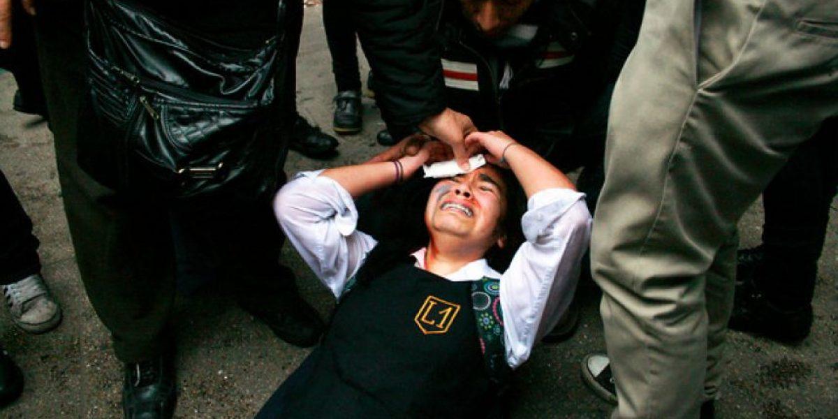 [FOTOS] Alumna del Liceo 1 resulta herida tras recibir golpe de carabinera