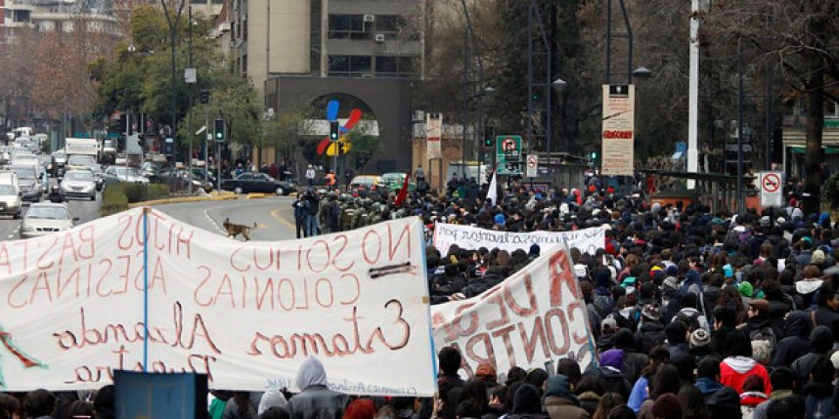 [FOTOS] Estudiantes marchan por Paseo Ahumada y Providencia