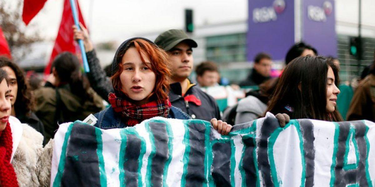 [FOTOS] Eloisa González lidera marcha de estudiantes por Ñuñoa