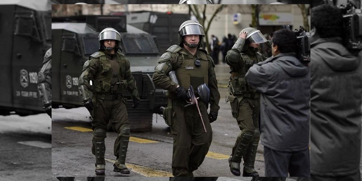 Carabineros justifica la entrada a Universidad Alberto Hurtado durante protestas