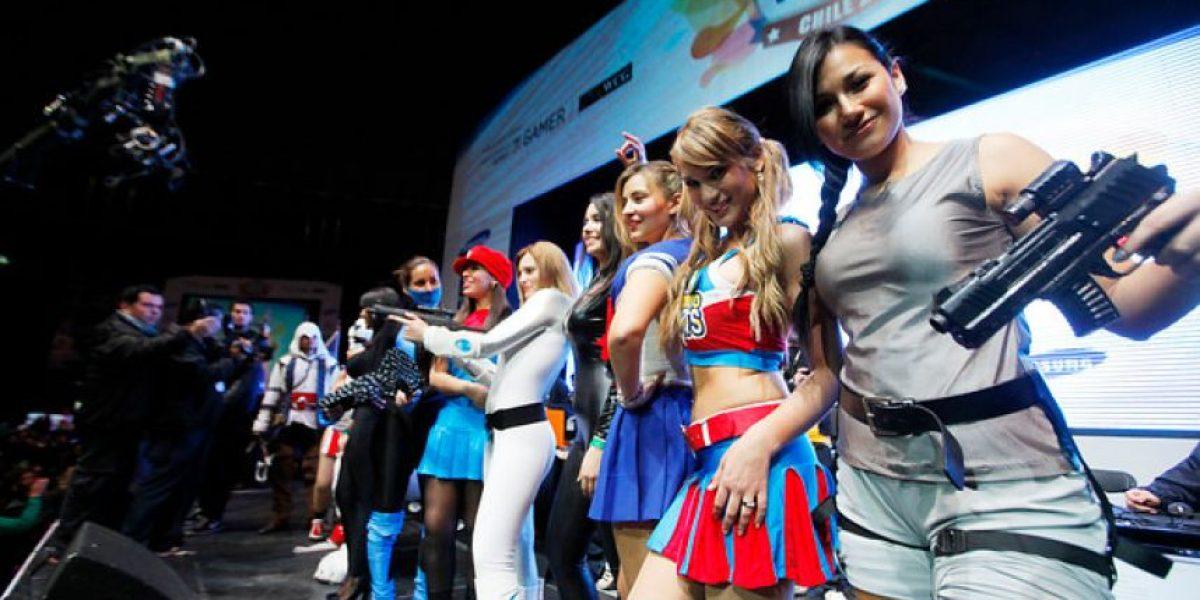 [FOTOS] Gamers y bellas mujeres se juntaron en el Movistar Arena para el