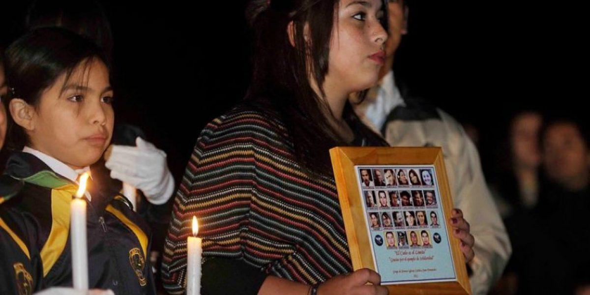 [FOTOS] Familiares realizan ceremonia tras un año de la Tragedia en Juan Fernández